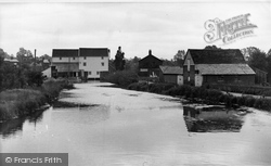 Hadleigh, The River Brett And Mill c.1955