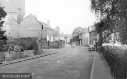 Hadlow, Entrance To Village c.1950
