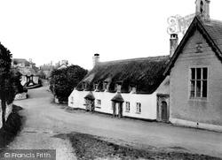 Village c.1950, Halse