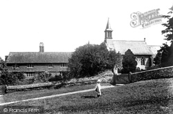 Hambledon, St Peter's Church And Cottages 1904