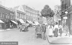 Hammersmith Bridge Road c.1910, Hammersmith