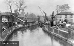The Creek, Sankey's Wharf c.1925, Hammersmith