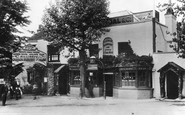 Hampstead, Bull and Bush, North End Road 1898
