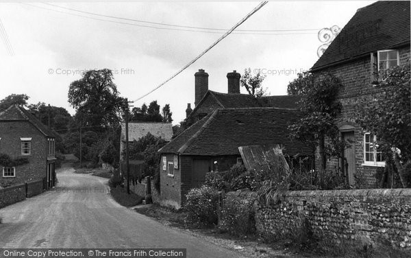 Photo of Hampstead Norreys, Forge Hill 1950