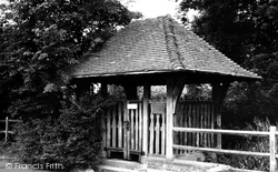 Hampstead Norreys, Parish Well 1959