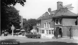 Hampstead, The Old Bull And Bush c.1960