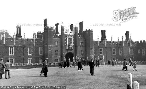Hampton Court, Palace c.1955