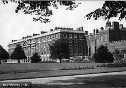 Hampton Court, The Palace 1947