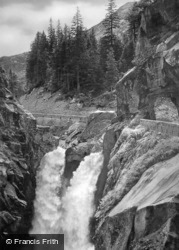 The Falls c.1935, Handeck