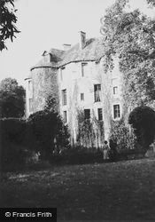 The Chateau 1964, Harcourt
