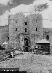 Castle Entrance c.1960, Harlech