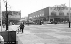 Harlow, Town Square c.1960