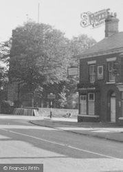 Hartford, Pub In Chester Road c.1950