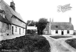 The Village 1907, Hartford