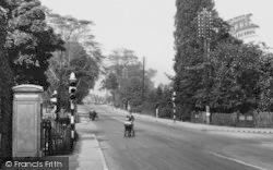 Hartford, Traffic Lights At The Cross Roads c.1940