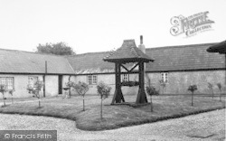 The Convent, Rectory Gardens c.1950, Hartley