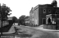Haslemere, Bridge Road And Haslemere Hall 1915
