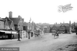Haslemere, High Street And Town Hall 1901