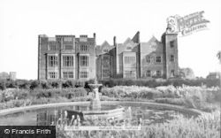 Hatfield, Hatfield House c.1960