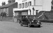Hatfield, Morris Car c1955