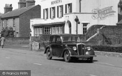 Hatfield, Morris Car c.1950