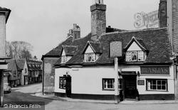 Hatfield, The Eight Bells c.1960