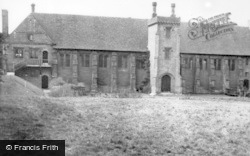 Hatfield, The Old Palace c.1950
