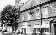 Hatfield, the Salisbury Hotel c1955