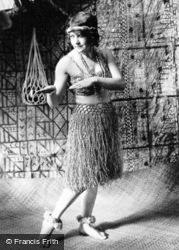 Honolulu, Hula Girl c.1935, Hawaii