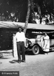 Honolulu, Lei Seller c.1935, Hawaii