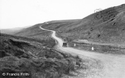 Hawes, Buttertubs Country c.1932
