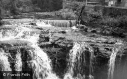 The Falls c.1955, Hawes