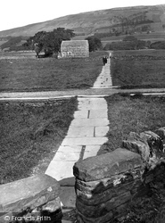 The Flagged Path To Hardrow 1925, Hawes