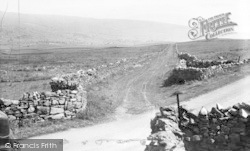 Hawes, The Old Roman Road c.1955