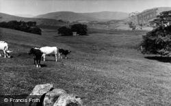 Wensleydale Looking West c.1955, Hawes