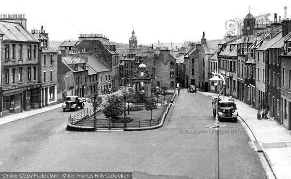 Photo of Hawick, Drumlanrig Square c1955, ref. H248003