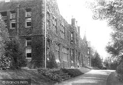 Babies Castle 1902, Hawkhurst