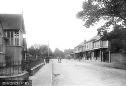 Colonnade 1902, Hawkhurst