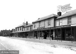Colonnade 1904, Hawkhurst
