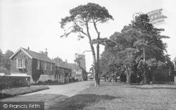 The Moor 1925, Hawkhurst