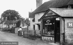 Hawley, The New Inn And Village Shop 1906