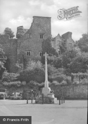 Memorial And Castle c.1950, Hay-on-Wye