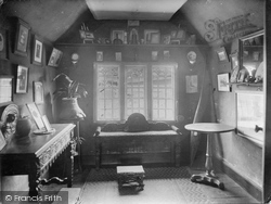 Hayes Barton, Sir Walter Raleigh's Room Where Tobacco Was First Smoked 1928