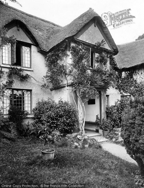 Photo of Hayes Barton, The Porch 1928