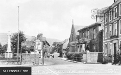 Royal Hotel And Market Street c.1950, Hayfield