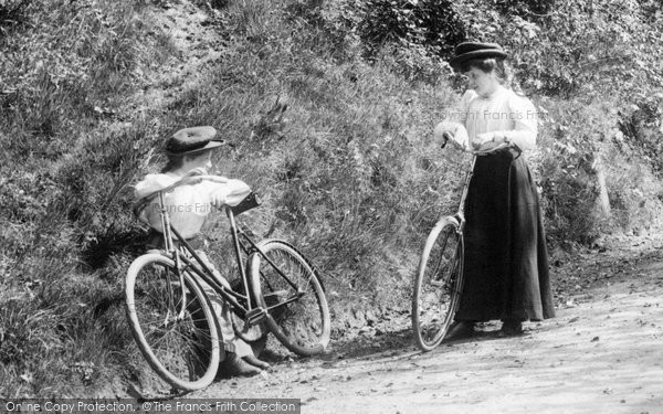 Headley, Cyclists In Oyster Lane 1906
