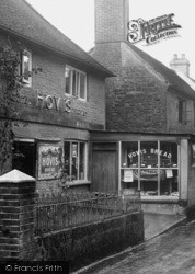 Headley, Village Bakery 1931