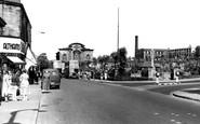 Heckmondwike, Westgate And Park c.1960