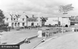 Hednesford, The Crescent And Gardens c.1960