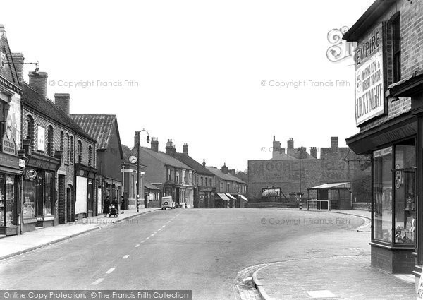 Hednesford, the Crescent c1955
